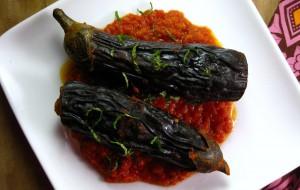 Баклажаны, фаршированные томатной начинкой