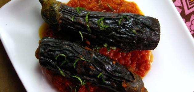 Итальянская кухня. Рецепт: Баклажаны, фаршированные томатной начинкой (фото)