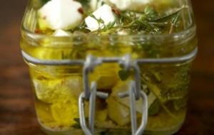 Фета в оливковом масле с базиликом