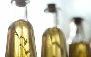 Как приготовить ароматизированное масло с базиликом