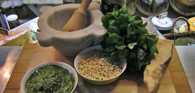 Итальянская кухня. Рецепт: Как приготовить настоящий соус «Песто по-генуэзски» (фото)