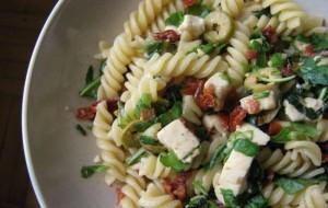 Как приготовить пасту с оливками и вялеными помидорами
