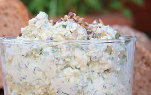 Крем из рикотты с ароматными травами