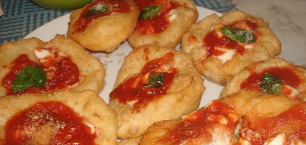 Итальянская кухня. Рецепт: Неаполитанские пончики-пицца (фото)