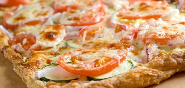 Итальянская кухня. Рецепт: Пицца на слоеном тесте (фото)