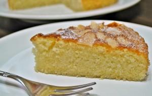 Пирог с миндалем