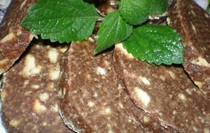 Рулет из печенья и какао