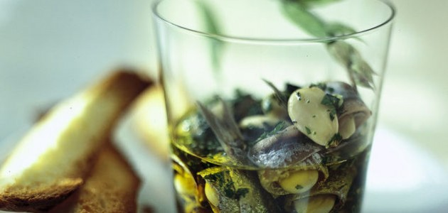 Итальянская кухня. Рецепт: Анчоусы с миндалем (фото)