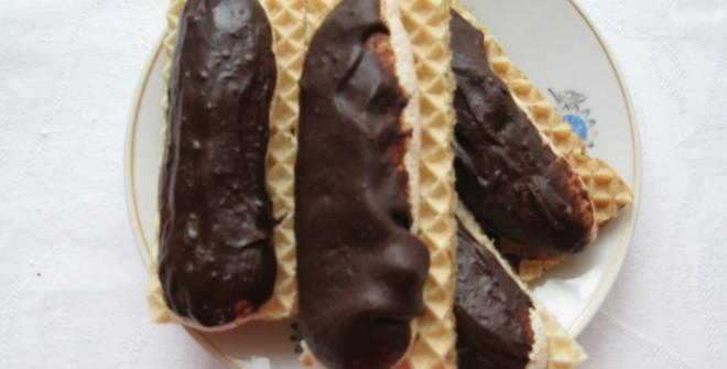 Пирожные с кокосом и шоколадом