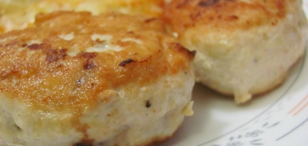 Итальянская кухня. Рецепт: Как приготовить сочные куриные котлеты в мультиварке (фото)