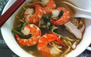 Креветочный суп с лапшой рамен