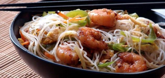 Итальянская кухня. Рецепт: Рисовая лапша с креветками (фото)