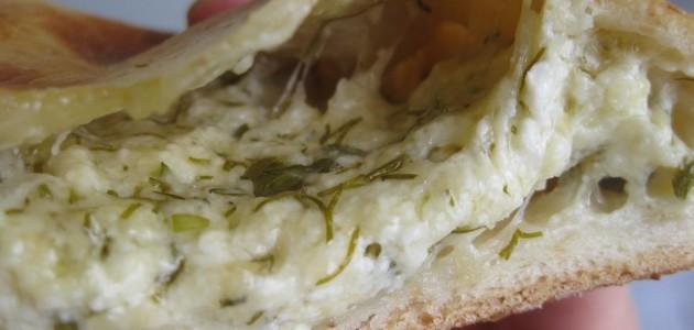Итальянская кухня. Рецепт: Осетинский пирог с сыром и зеленью (фото)