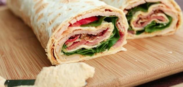 Итальянская кухня. Рецепт: Роллы из лаваша с курицей и сыром (фото)